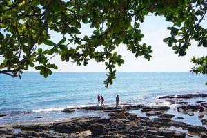 Bãi Ông Lang Phú Quốc đẹp từ buổi sớm đến khi nắng tắt