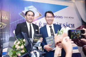 Peter Pham và Lê Hoài Ân đồng loạt ra mắt sách