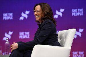 Ứng cử viên tổng thống Mỹ Kamala Harris ủng hộ việc chia tay Facebook