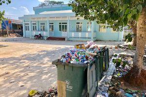 Quảng Ngãi: Thiếu giáo viên, trường mầm non tiền tỷ xây xong để… 'tập kết rác'