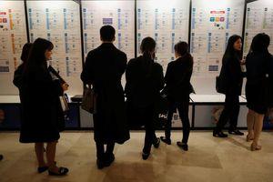 'Thừa thầy thiếu thợ', Hàn Quốc phải 'xuất khẩu' cử nhân thất nghiệp
