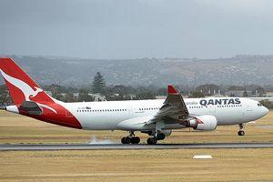 Máy bay của hãng Qantas phải hạ cánh khẩn cấp do sự cố điện