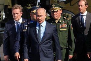Tổng thống Putin kiểm tra chiến đấu cơ MiG-31 được trang bị tên lửa siêu thanh Kinzhal