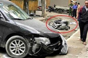 Nữ tài xế lùi xe chết người: Tảng bê tông ác nghiệt