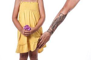 Những kẻ lạm dụng tình dục trẻ em có bị bệnh ấu dâm?