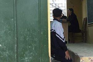 Học sinh bị phạt quỳ trong lớp: Bênh không đúng là hại con mình