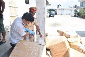 Xe khách biển Lào chở 'lậu' 1,6 tấn nội tạng động vật