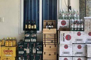 Bắt giữ 378 chai rượu ngoại không rõ nguồn gốc