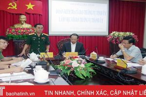 Đoàn công tác BTV Tỉnh ủy kiểm tra thực hiện nhiệm vụ QP-AN ở TP Hà Tĩnh