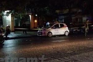 Hà Nội: Khẩn trương làm rõ vụ nữ tài xế taxi bị đâm trọng thương