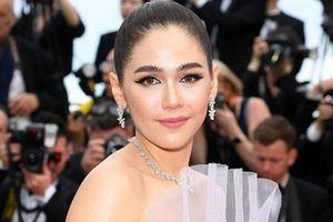 Kiều nữ hàng hiệu nổi tiếng Thái Lan Araya Hargate hút hồn tại Cannes