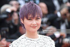 Thảm đỏ 'LHP Cannes 2019' ngày 2: Chompoo Araya lộ nội y, Cảnh Điềm khoe vòng 1 khủng