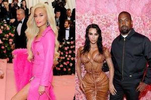 Kacey Musgraves và Kanye West mặc trang phục và mang phụ kiện từ những thương hiệu bình dân, thì sao nào?