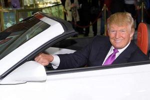 Tổng thống Donald Trump hoãn thuế nhập khẩu ô tô vào Mỹ