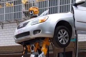 Thợ máy Trung Quốc chế tạo chiếc xe biến hình như Transformer