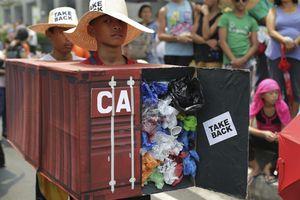 Căng thẳng vì rác, Philippines triệu hồi đại sứ từ Canada
