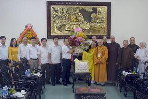 Công an tỉnh TT-Huế thăm, chúc mừng nhân dịp Phật đản