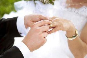 Từ đổ lỗi cho định mệnh đến bỏ việc: Chuyện hoang đường về hôn nhân mọi người vẫn tin sái cổ