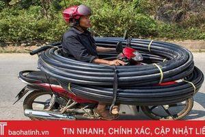 Khách Tây 'choáng' với những kiểu lái xe 'độc nhất vô nhị' ở Việt Nam