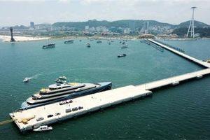 Siêu du thuyền của ông chủ đội bóng Tottenham đến vịnh Hạ Long