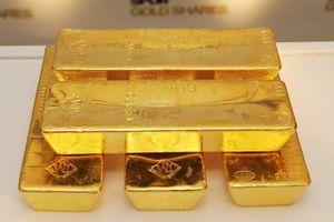 Giá vàng, USD tiếp tục đi xuống