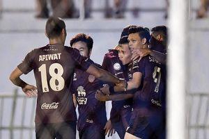 Đá phạt 'tinh quái', Xuân Trường giúp Buriram United vượt qua Rayong
