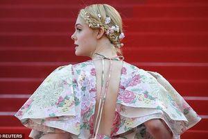 Elle Fanning diện đầm xẻ sâu, lộng lẫy như đóa hoa trên thảm đỏ Cannes