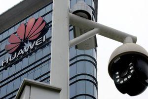 Huawei phản pháo gay gắt khi bị Mỹ 'cấm cửa'