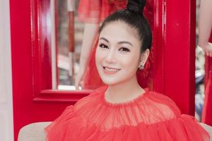 Hoa hậu Tuyết Nga tham dự LHP Cannes bằng 50kg trang phục