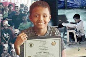 Cậu bé nghèo vô gia cư đổi đời nhờ bức ảnh trên mạng