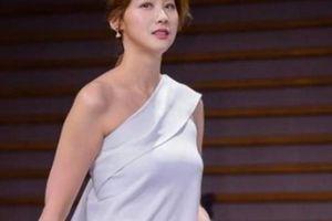 'Xà tinh', 'ác nữ' xứ Hàn quyến rũ mê hồn nhờ... nhà tắm công cộng, nước gạo