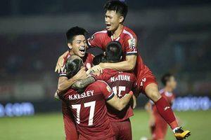 TP Hồ Chí Minh duy trì ngôi đầu sau thắng lợi kịch tính trước Than Quảng Ninh