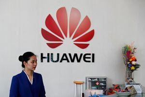 Trung Quốc lên tiếng sau khi Mỹ tuyên chiến với Huawei