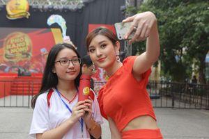 Hơn 10.000 khán giả Hà Thành phấn khích cùng dàn sao tại lễ hội Phố Hàng Nóng