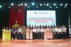Đại học Vinh trao giải thưởng sinh viên nghiên cứu khoa học