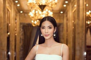 Hoàng Thùy bung lụa với váy trắng bó sát khoe đường cong đẹp 'ná thở'