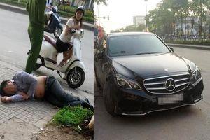 Bỏ xe Mercedes lên vỉa hè nằm ngủ vật vã cả đêm, người đàn ông khiến ai cũng phải ngoái nhìn