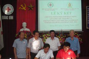Quảng Bình: Hội Chữ thập đỏ và Hội Nạn nhân chất độc da cam/dioxin tỉnh ký kết chương trình phối hợp