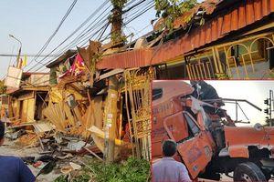 Tài xế ngủ gật, xe container tông sập hàng loạt nhà dân ở Nam Định