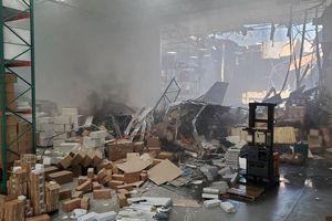 Mỹ: Chiến đấu cơ F-16 lao xuống nhà kho ở California