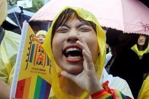 Giây phút hạnh phúc tại Đài Loan khi hôn nhân đồng giới được công nhận