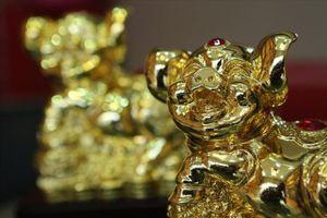 Giá vàng hôm nay 18.5: Thị trường dậy sóng, USD tăng, vàng lao dốc