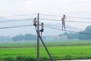 Sơn La: 4 em nhỏ thương vong do điện giật khi tắm ao