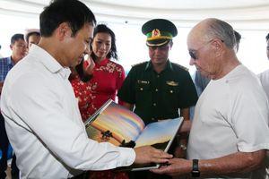 Siêu du thuyền 150 triệu đô lộng lẫy giữa vịnh Hạ Long