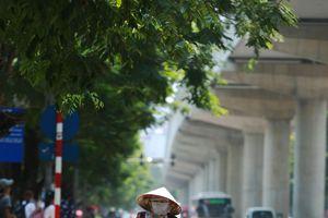 Người lao động Thủ đô vất vả với thời tiết 40 độ C