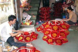 Rộn ràng xóm làm lồng đèn mùa Phật đản ở miền cố đô