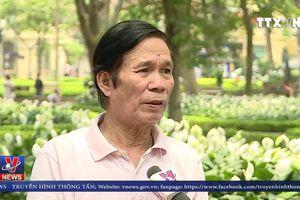 Bức tranh 40 tuổi tại ngã tư Tràng Tiền, Hà Nội