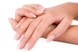Chăm sóc móng tay cũng cần bổ sung thêm vitamin