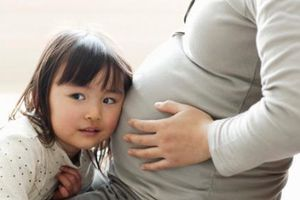 Sắp sinh thêm em bé, mẹ cũng đừng quên chuẩn bị những điều này cho con lớn
