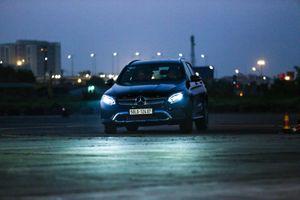 Đến sân bay Gia Lâm, lái ... Mercedes trong đêm